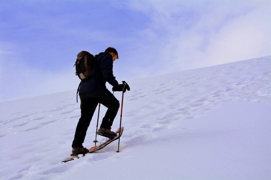snowshoe tour uphill