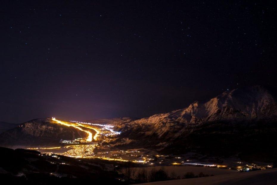 Evening skiing Foto Hunnalvatn Media 1030x688 1