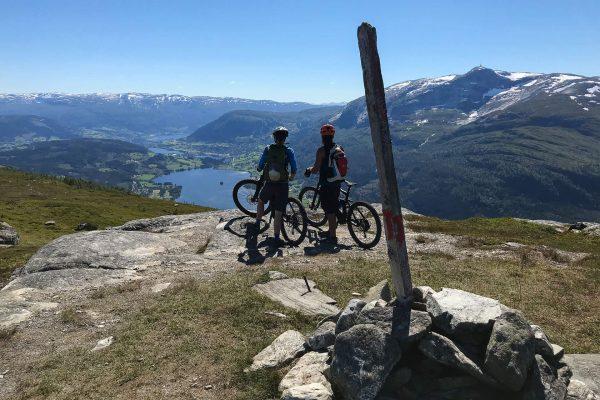 Mountain-Biking_The_Grand_Traverse_Outdoor-Norway-3.jpg